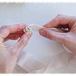 Изготовление колье из ткани и бусин