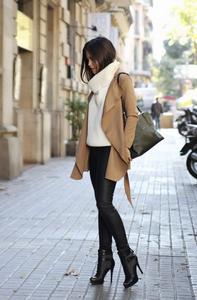 С чем носить модные пуховые куртки и пальто?